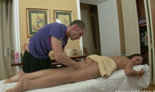 Massage goes crazy as a dude slips his jock in a sexy love tunnel