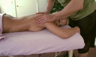 Giving hottie lusty massage makes stud's strapon hard like hell