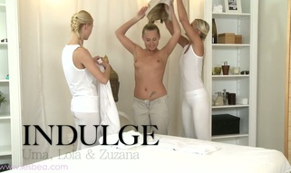 Sizzling hawt lesbo massage with Uma, Zuzana and Lola